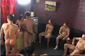 Gangbang szexvideók