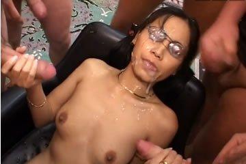 ázsiai bukakke pornó